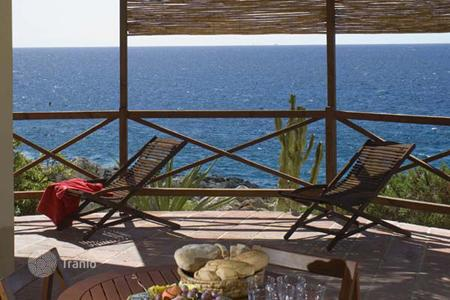 Coastal villas and houses for rent in Sicily. Villa - Plemmirio, Sicily, Italy