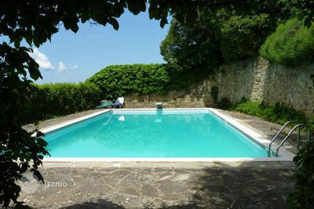 3 bedroom houses for sale in Tuscany. Villa - Arezzo, Tuscany, Italy