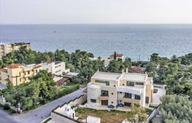 Houses with pools by the sea for sale in Loutraki. Villa – Loutraki, Administration of the Peloponnese, Western Greece and the Ionian Islands, Greece