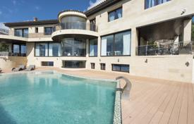 Luxury 5 bedroom houses for sale in Costa Brava. Modern villa with an infinity pool and panoramic sea and mountain views, in a prestigious area, Castell Platja d'Aro, Spain
