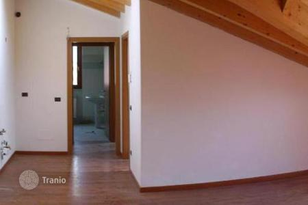 2 bedroom apartments for sale in Marone. Apartment – Marone, Lombardy, Italy