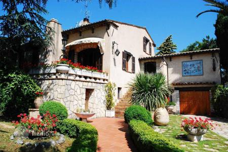 5 bedroom houses for sale in Liguria. Villa in Ventimiglia, Italy