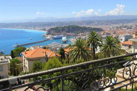 Luxury 4 bedroom houses for sale in Nice. Villa – Nice, Côte d'Azur (French Riviera), France