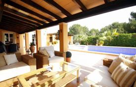 Luxury 4 bedroom houses for sale in Majorca (Mallorca). Villa – Sol de Mallorca, Balearic Islands, Spain