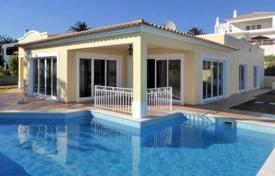 3 bedroom houses for sale in Albufeira. Modern 3 bedroom villa with pool and stunning sea views, Albufeira