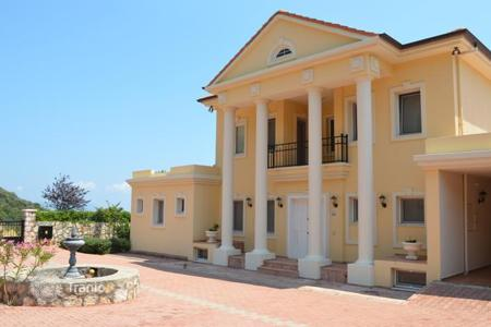 4 bedroom houses for sale in Western Asia. Luxury Mansion with pool and sea views, Kas, Turkey