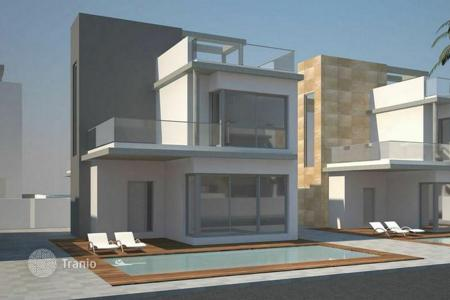 Off-plan houses with pools for sale in Spain. Villa in Torrevieja