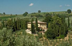 Luxury houses with pools for sale in Tuscany. Villa – Florence, Tuscany, Italy