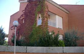 Foreclosed 4 bedroom houses for sale in Catalonia. Villa – Torrefarrera, Catalonia, Spain