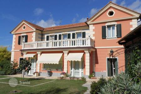 Property for sale in Imperia (city). Elegant villa in Imperia, Italy
