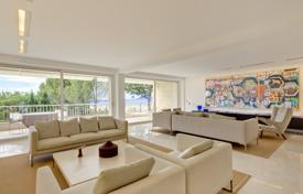 Luxury apartments with pools for sale in Cannes. Duplex with floor-to-ceiling windows and a spacious terrace, Cannes, France