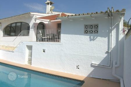 Cheap houses with pools for sale in Moraira. Villa – Moraira, Valencia, Spain