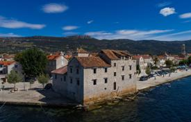 Luxury houses for sale in Kastela. Castle – Kastela, Split-Dalmatia County, Croatia
