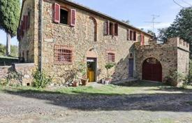 Houses for sale in Pomarance. Two-storey stone villa overlooking the hills, Pomarance, Tuscany, Italy