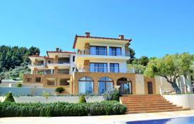 Coastal houses for sale in Administration of Macedonia and Thrace. Villa – Sithonia, Administration of Macedonia and Thrace, Greece