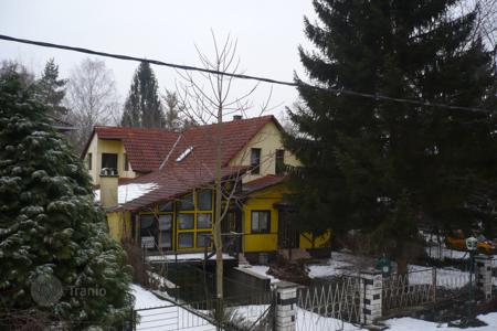 Houses for sale in Szigetmonostor. Detached house – Szigetmonostor, Pest, Hungary