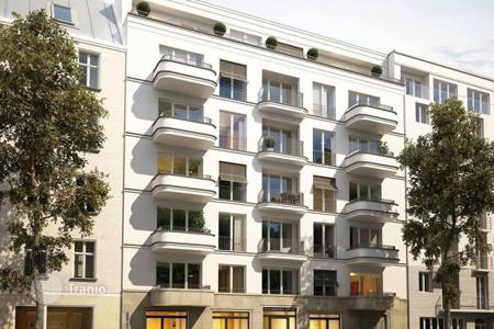 5 bedroom apartments for sale in Germany. Apartment – Berlin, Germany