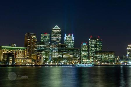 Residential/rentals for sale in the United Kingdom. Apartment building – Canary Wharf, London, United Kingdom
