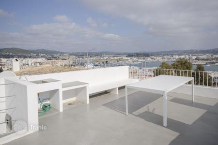 1 bedroom apartments for sale in Balearic Islands. Charming loft in a new building in Ibiza