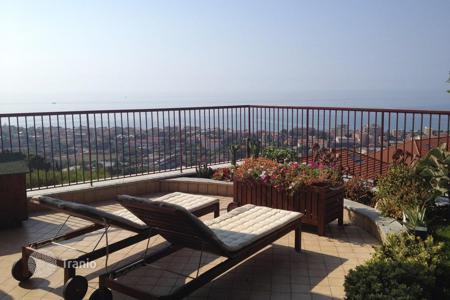 Residential for sale in Vallecrosia. Vallecrosia Apartment Sea View For Sale
