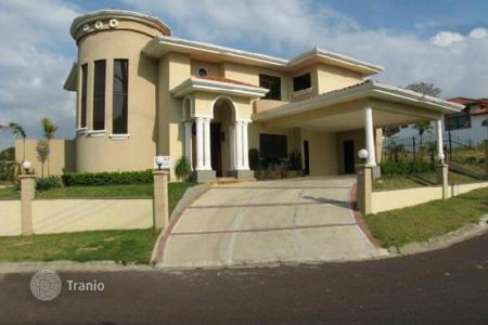 Residential for sale in Costa Rica. Gorgeous new luxury home in Cariari