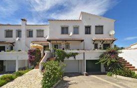 2 bedroom houses for sale in Catalonia. Spacious villa with a dock, on the bank of the canal in Empuriabrava, Spain