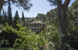 Houses for sale in Sa Riera. Unique two-storey villa in Mediterranean style, five minutes from the beach, Begur, Spain