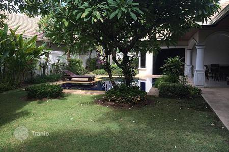 Coastal villas and houses for rent in Pattaya. Villa – Pattaya, Chonburi, Thailand
