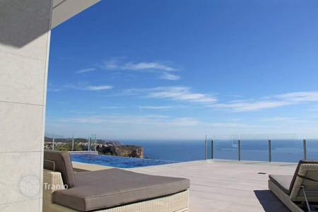 Coastal property for sale in Cumbre. Bespoke villas with 3 bedrooms and private pool offering stunning sea-views