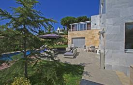Coastal houses for sale in Costa Brava. Villa – Lloret de Mar, Catalonia, Spain