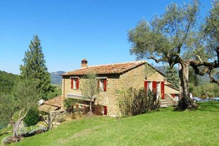 5 bedroom houses for sale in Cortona. Villa – Cortona, Tuscany, Italy