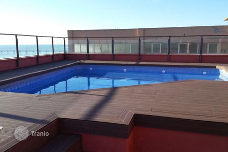 2 bedroom apartments by the sea for sale in Barcelona. Spectacular apartment in the 1st sea line in the center of Badalona. Just at 10 km to center of Barcelona City