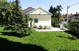 Coastal houses for sale in Croatia. A cozy house with sea views in Opatija