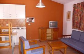 2 bedroom houses for sale in Gran Canaria. Beautiful bungalow in Campo internacional