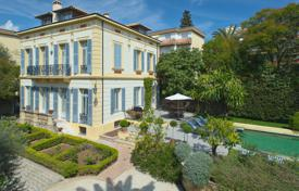 Villas and houses for rent with swimming pools overseas. Luxury Belle Epoque town house, Cannes