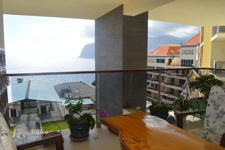 Coastal residential for sale in Portugal. Two bedroom apartment close to Forum. Funchal Madeira