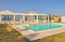 Elegant furnished villa with sea views in Marina di Ragusa, Sicily, Italy for 450,000 €