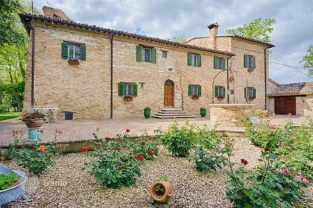 Houses for sale in Marche. Villa – Urbino, Marche, Italy
