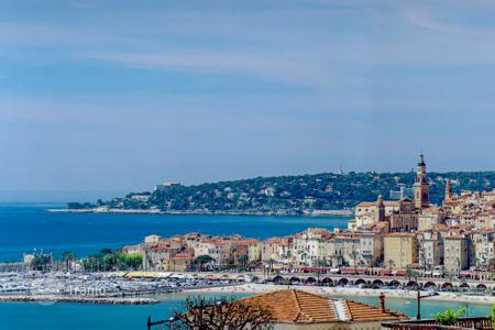 Property to rent in Menton. Villa Olivier