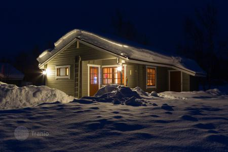 Property for sale in Finland. Excellent for an investment! Mökki is situated 10 meters from Kilpisjärvi river