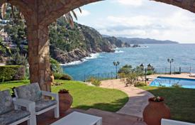 Luxury property for sale in Costa Brava. Villa – Blanes, Catalonia, Spain