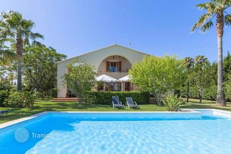 Houses with pools for sale in Alcudia. Modernistic villa with pool and gorgeous garden within 5 minutes drive to the lovely beach, Alcudia, Mallorca, Spain