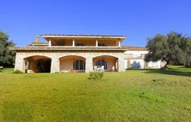 Coastal residential for sale in Sicily. Unique villa with a pool and a chapel on a large plot of land with a view of the mountains, 200 m from the beach, Avola, Sicily