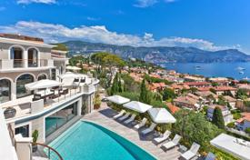 Villas and houses for rent with swimming pools in Saint-Jean-Cap-Ferrat. Saint-Jean Cap Ferrat — Luxurious sea view villa