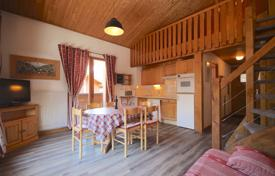 2 bedroom apartments for sale in Haute-Savoie. Cozy two-bedroom duplex apartment in the central Morzine, France