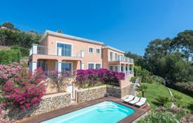 Houses for sale in Mandelieu-la-Napoule. Close to Cannes — Gated domain