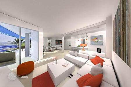 3 bedroom apartments by the sea for sale in Cannes. Cannes — Croisette Palm Beach — Facing the beaches