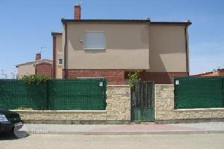 Foreclosed 4 bedroom houses for sale in Castille and Leon. Villa – Valladolid, Castille and Leon, Spain