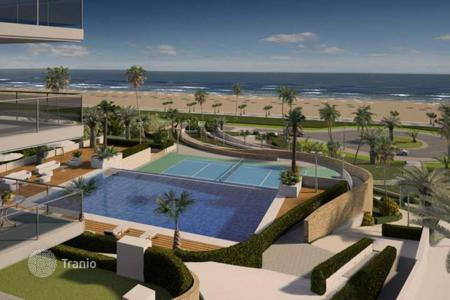 Cheap apartments for sale in Elche. Beachfront apartments of 2 and 3 bedrooms in a luxury complex in Arenales del Sol