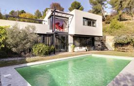 Property for sale in Le Cannet. Le Cannet — Modern Villa — 4 Bedrooms — Garden And Pool